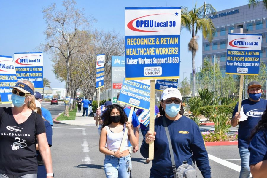 health-care-workers-protest-for-fair-compensation-outside-of-kaiser-in-downey