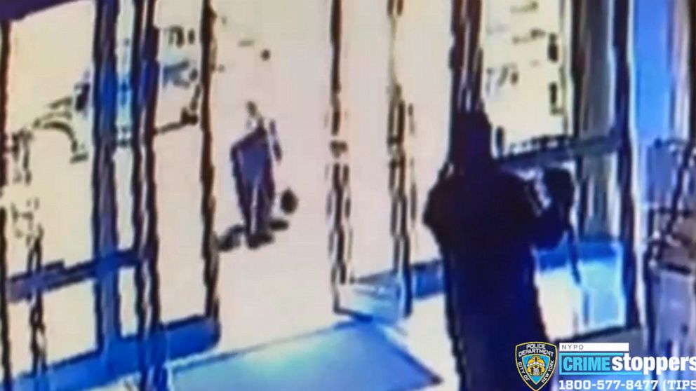 lobby-workers-fired-after-an-attack-on-an-asian-american-woman-in-front-of-the-apartment-building-in-new-york-city