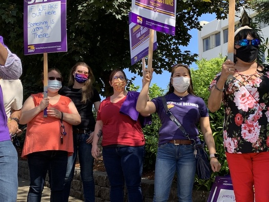 burnt-out-by-pandemic-or-hospital-workers-demand-better-conditions-public-intelligence