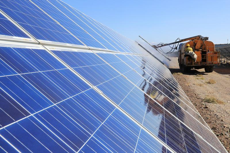 afl-cio-urges-the-us-to-stop-importing-solar-products-from-chinas-xinjiang-to-block
