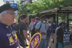 carnegie-museums-of-pittsburgh-cleaners-collect-for-contract-wage-increase-wpxi
