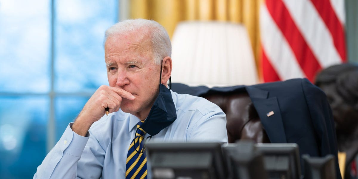 student-loan-pause-extended-education-officials-urge-biden