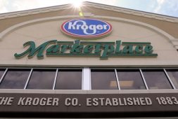 ufcw-teamsters-receive-new-employment-contracts-with-kroger-fred-meyer
