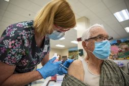 wisdom-and-fear-lead-90-of-u-s-seniors-to-covid-vaccines