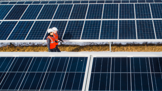 solar_panel_workers.png